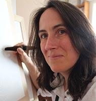 Portrait ISabelle Flourac tenant un pinceau Chinois